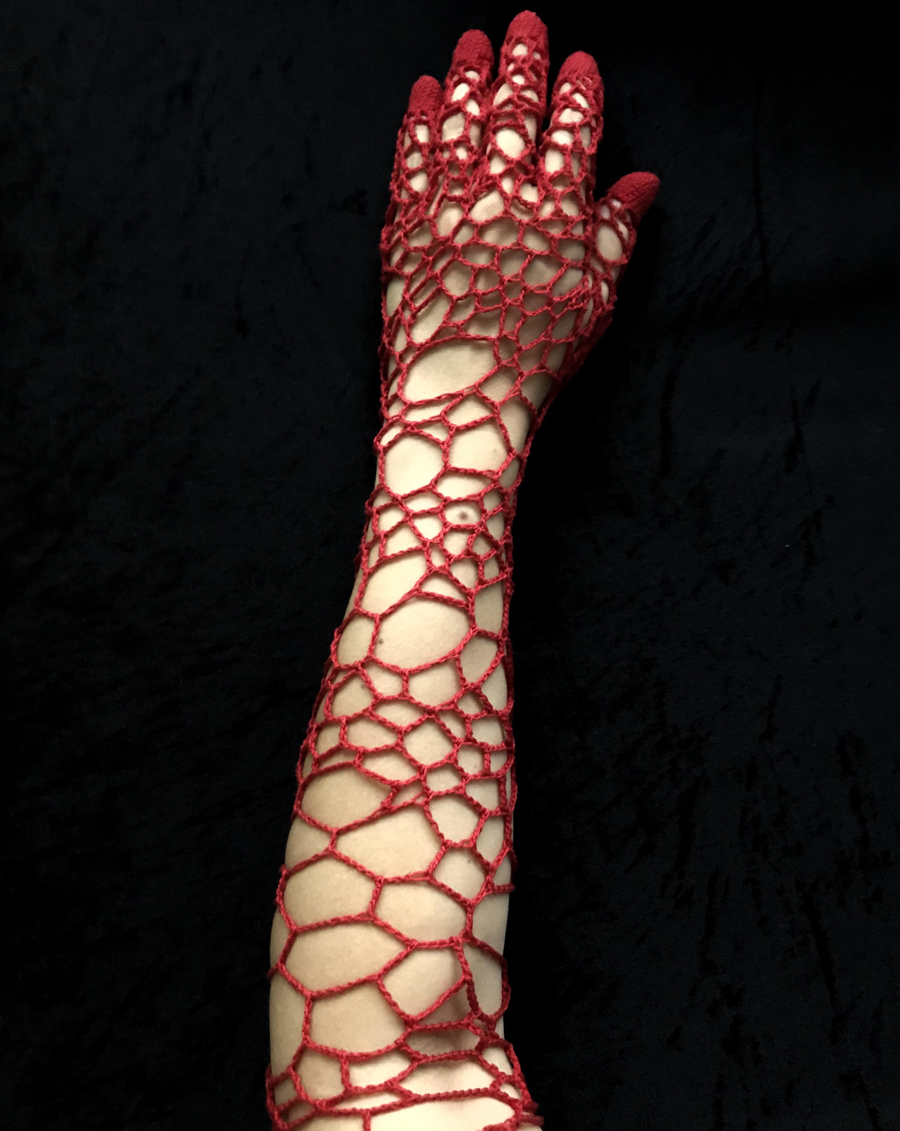 « Passion - Dans la peau » - 2019 {vue dessus - porté}